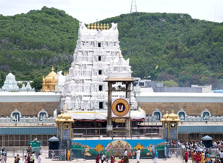 Top 5 Magnificent Temples In South India