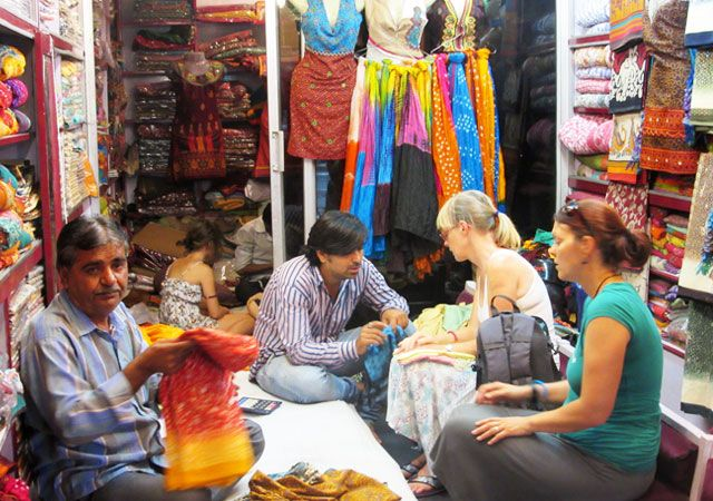 Shopping-in-Udaipur