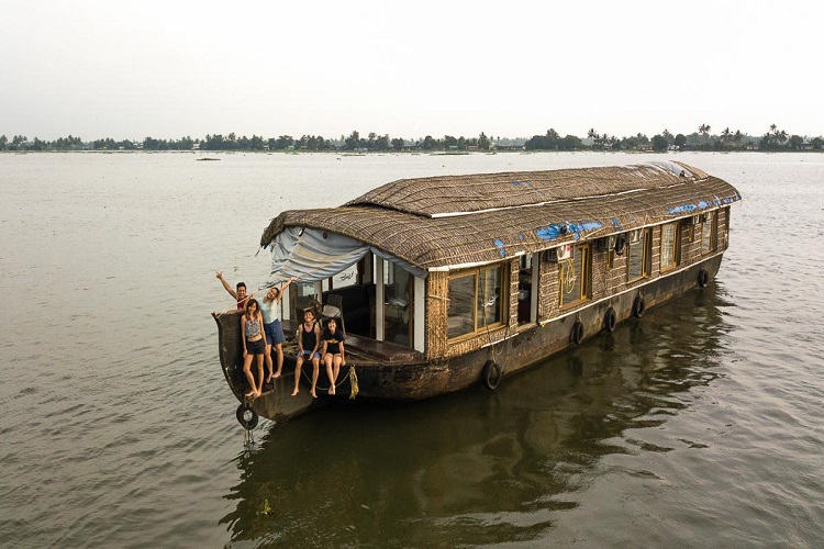 Houseboat-at-Alleppey-backwater