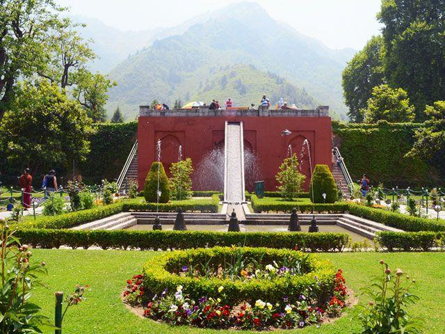 Chasma Shahi Garden in Srinagar