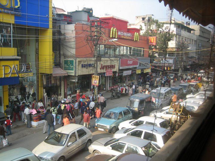 Busy_market_on_Ajmal_Khan_Road,_Karolbagh,_New_Delhi