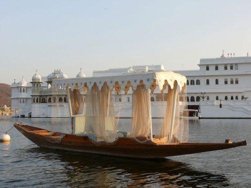 A small boat on-Lake Pichola Udaipur