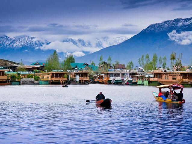 Srinagar: Family Vacation in India