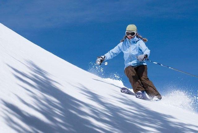 Skiing, Manali