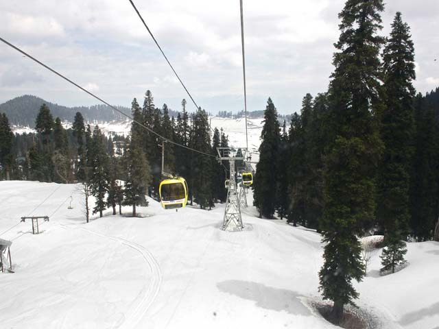 Gondola-Ride-in-Gulmarg