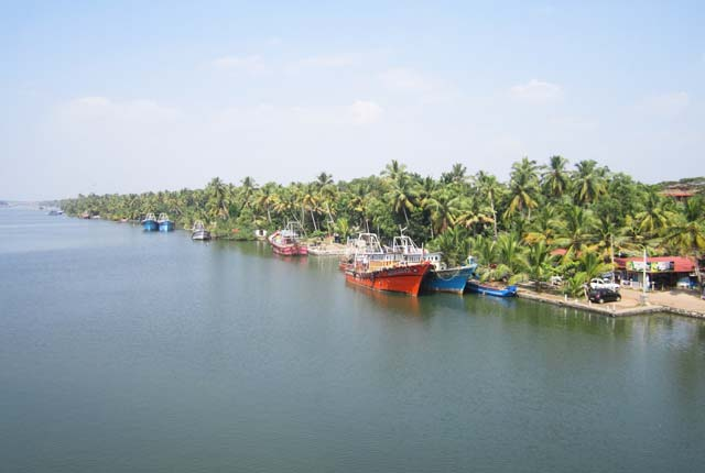 Ashtamudi Lake, Kollam