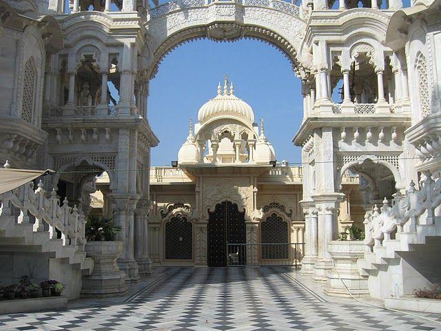 Baanke Bihari Temple
