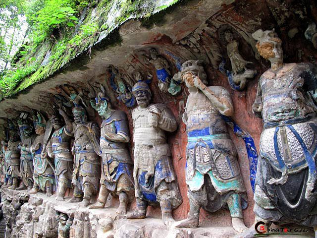 dazu_carvings