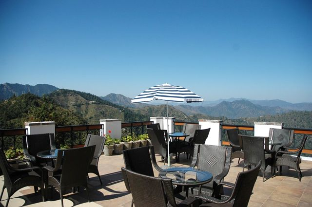 The Terraces Kanatal: Boutique Hotel in Himalayas