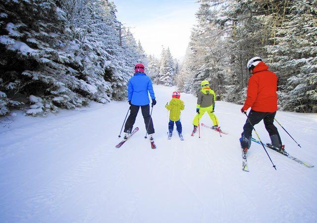Skiing in Munsiyari Valley