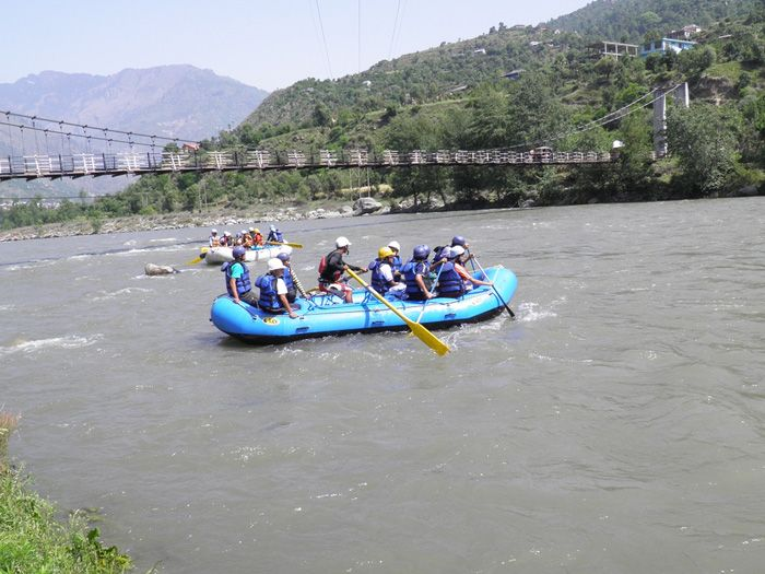 Beas-River,-Kullu-Manali river rafting in india