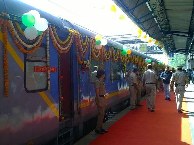 Gatimaan Express - A Taste of High-Speed Luxury Train Travel