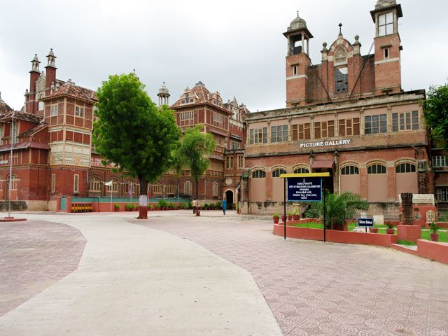 Baroda Museum is a must visit place in Gujarat.