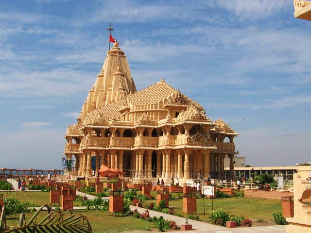 Somnath Temple: famous temples in gujarat