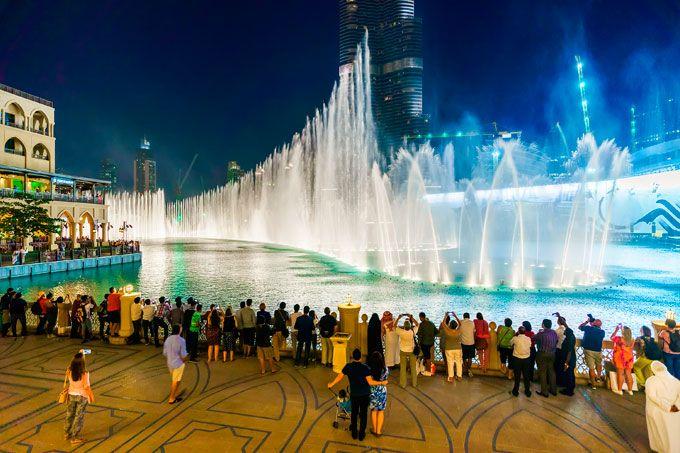 Fountains show in Dubai
