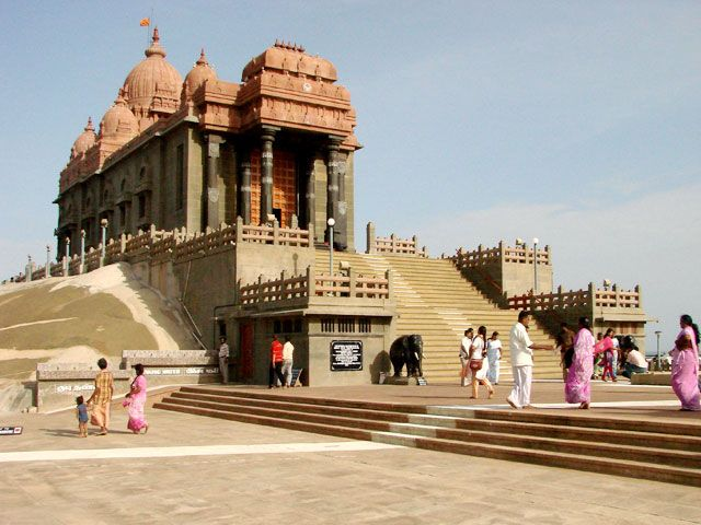 Top 10 famous Temples in Tamil Nadu |