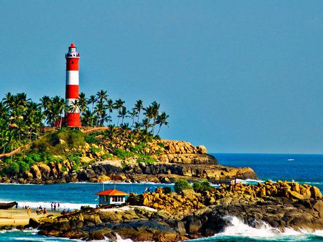 lighthouse-beach-kovalam-kerala
