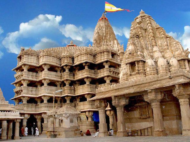Dwarkadhish Temple in Gujarat: places to visit in gujarat