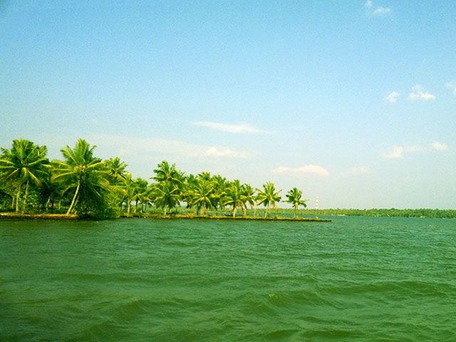 Ashtamudi Lake