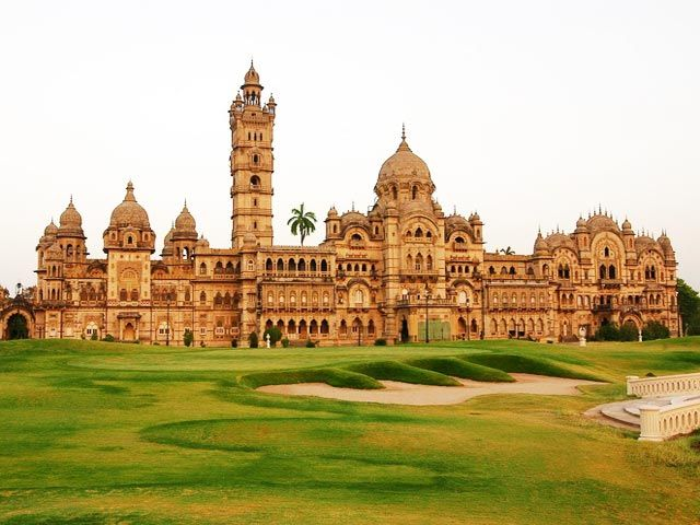 Laxmi Vilas Palace: historical places in gujarat