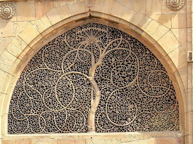 Sidi Saiyad Mosque: historical places in gujarat