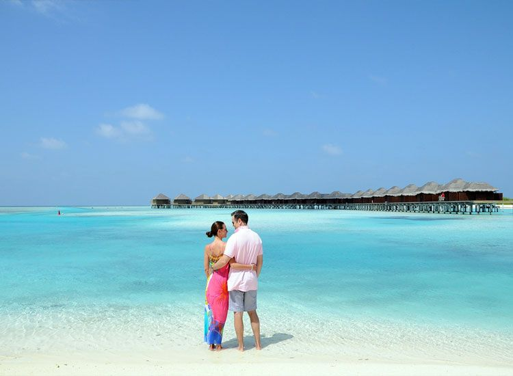 8 Popular Island Destinations for Honeymoon Near India