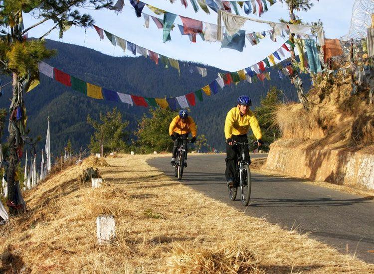 8 Thrilling Adventure Sports in Sikkim