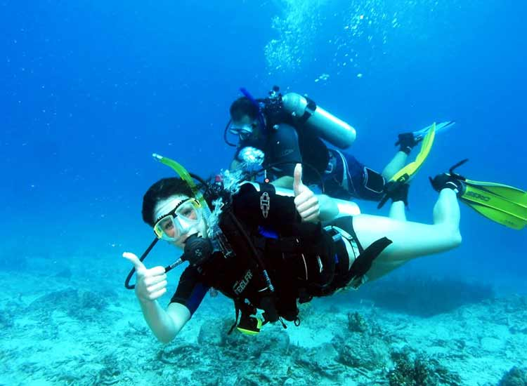 Diving at Laskwadeep Island