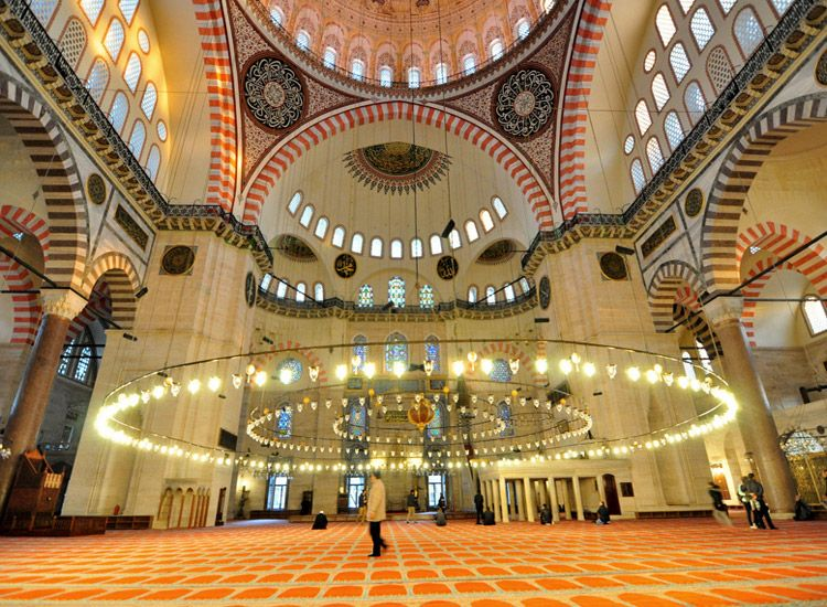 Capture the best experiences with these things to do in Istanbul