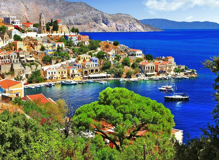 Islands in Greece that Steal your Hearts Away