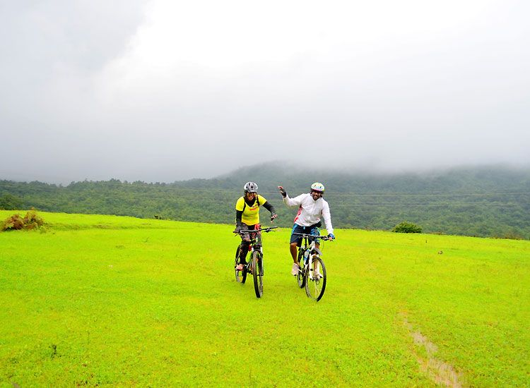 Check out the Best Bicycle Tours in India for Amazing Holidays This Year