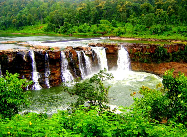 Experience The Monsoon Magic With These Places To Visit in Saputara