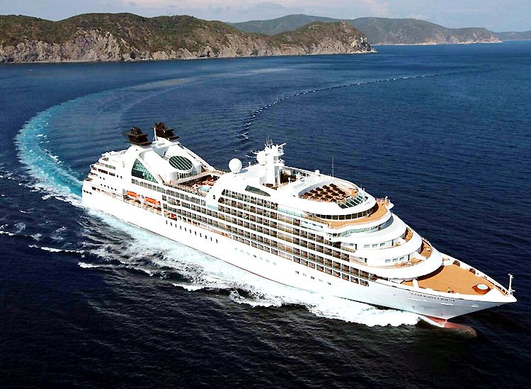 Luxury Cruise Lines in the World – Luxury with a Difference!