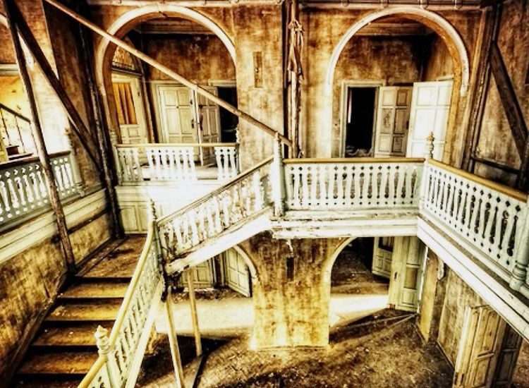 20 Haunted Places in India That Give You the Chills!