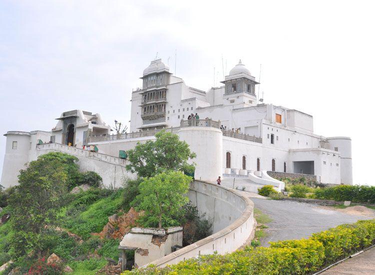 sajjhangarh-palace