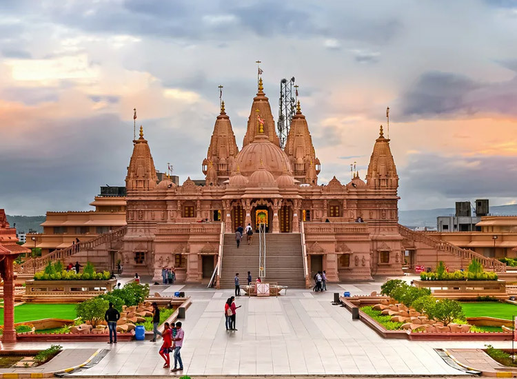 Religious place of Pune near Mumbai