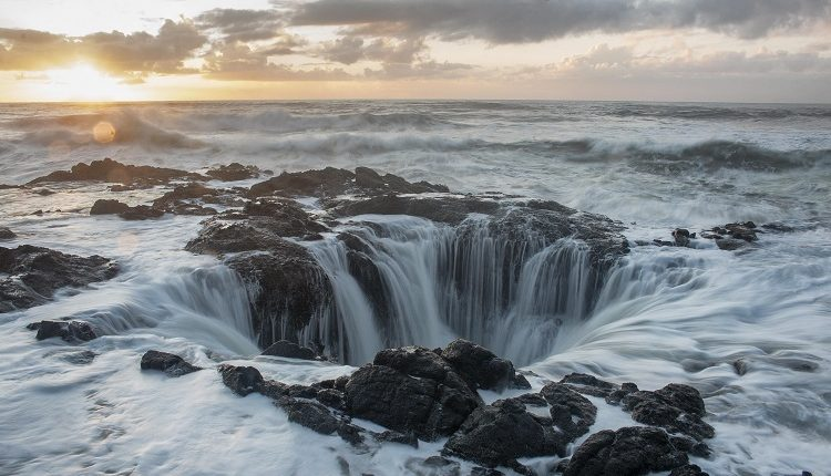Thor's Well On The Oregon Coast appears to be draining The Pacific Ocean.