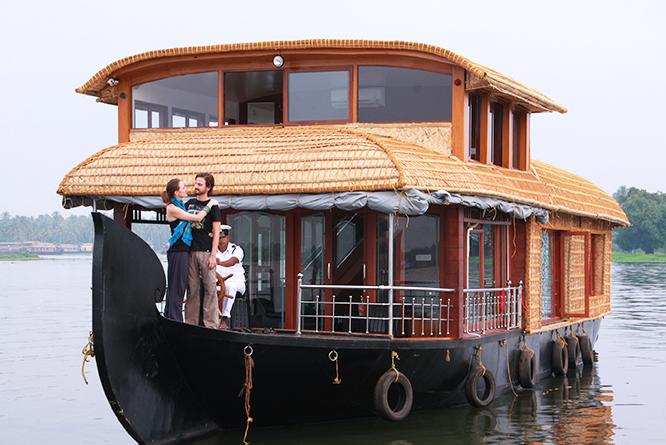 alleppey honeymoon houseboat