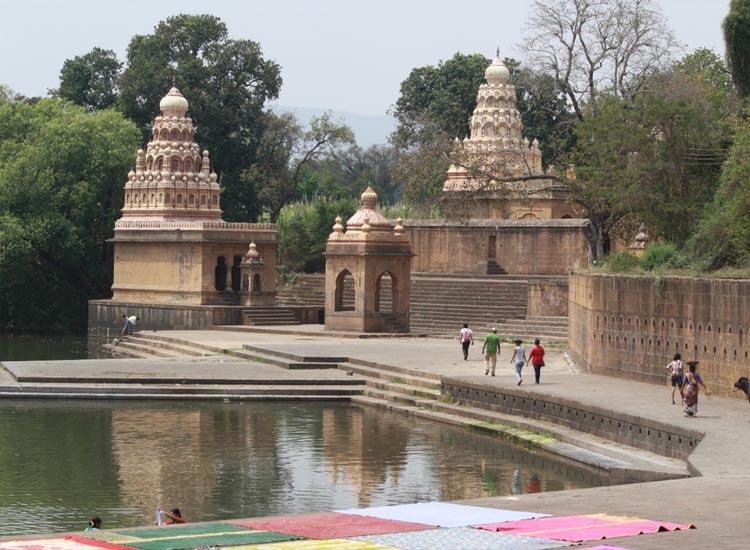 Explore 21 Captivating Historical Sites in Maharashtra