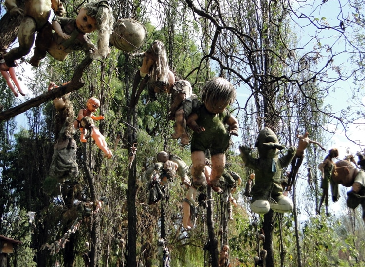 The Mysterious Island of Dolls, Mexico