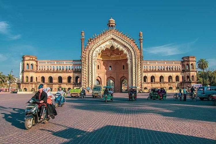 Rumi Darwaja, Lucknow