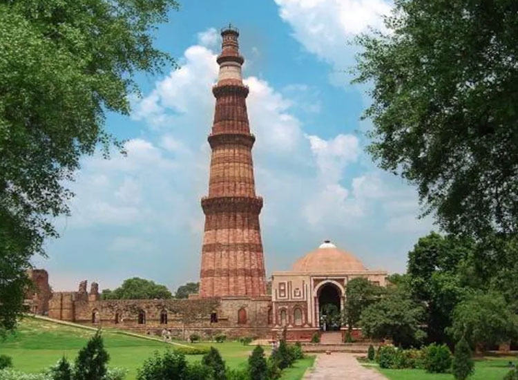 Qutab Minar Complex Delhi