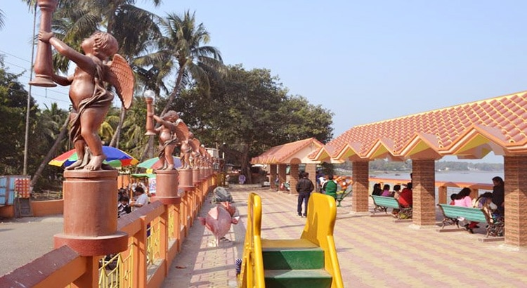 Best-Places-to-Visit-Near-Kolkata-in-April-taki-sight