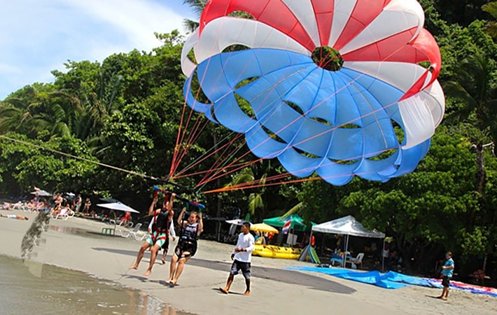 Best-Places-For-Parasailing-in-Varkala-Beach-kerala