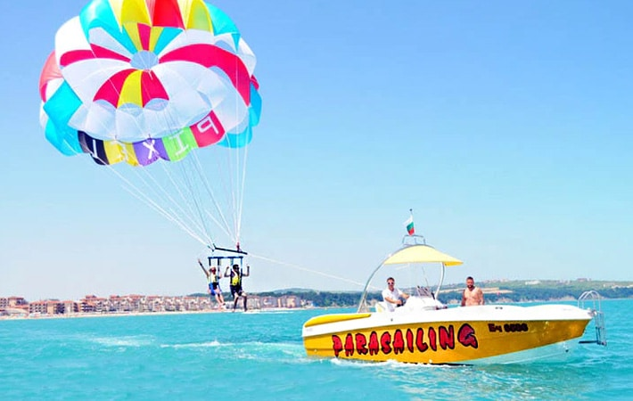 Best-Places-For-Parasailing-in-goa