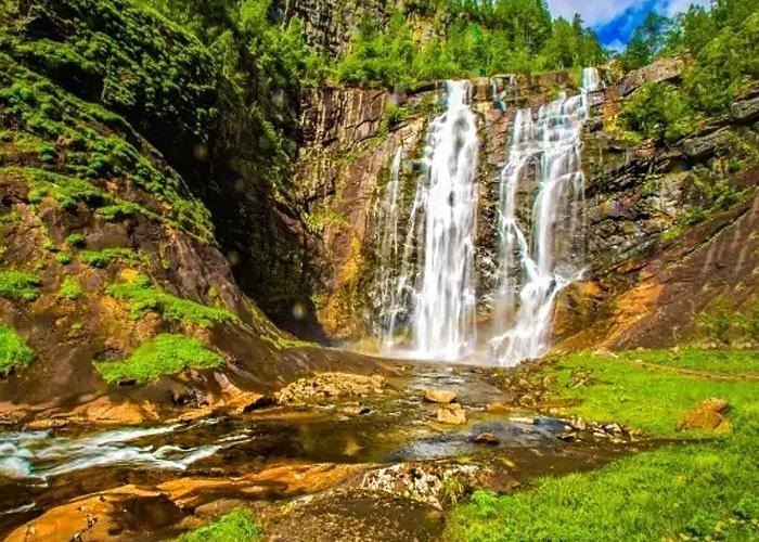 Kailasakona-Waterfalls-chennai
