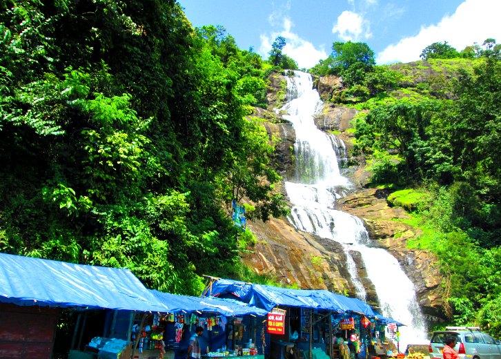 one-day-trip-munnar-Cheeyappara-Waterfalls