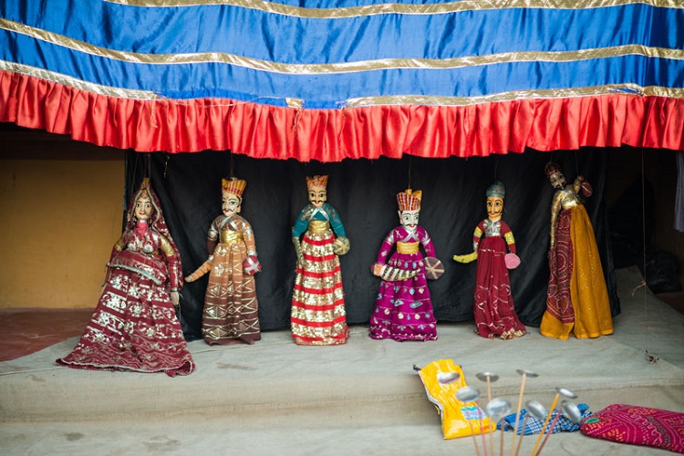Watch the Puppet Show in Chokhi Dhani