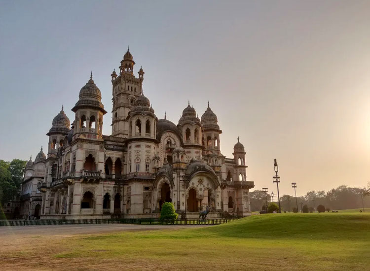 Garden of Laxmi Vilas Palace, Gujarat