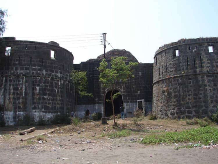 Arnala fort